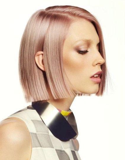 Tunsori bob si nuante de par metalice blond roze