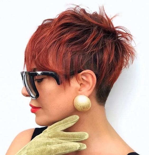 Tunsori la moda pixie roscat