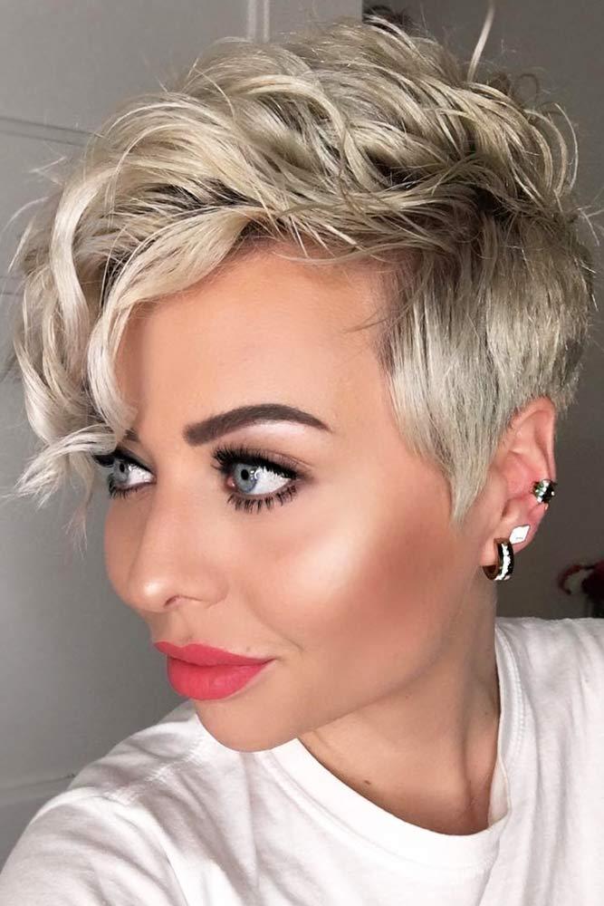 Tunsori asimetrice femei
