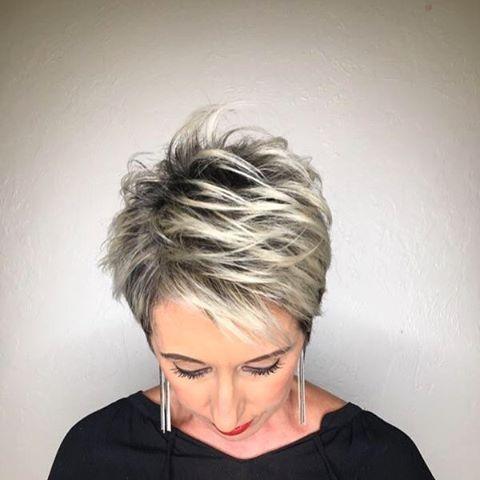 Tunsori cu suvite blonde